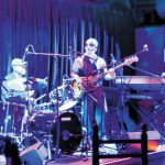 Una genial combinación de soul y blues te espera en el club de jazz y blues Fat Cats