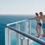 Relájate en una de las piscinas o en las seis tinas infinitas de hidromasaje.