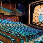 Disfruta del entretenimiento más asombroso en el teatro Stardust.